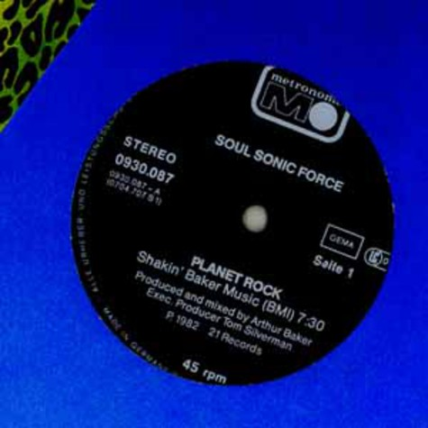 Afrika Bambaataa & The Soul Sonic Force - Planet rock