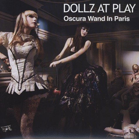 Dollz At Play - Oscura Wand In Paris