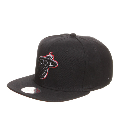 Mitchell & Ness - Miami Heat NBA Vintage Black And White Snapback Cap