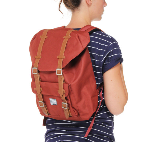 a5566db931 Herschel - Little America Mid-Volume Backpack (Rust)