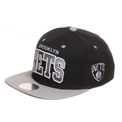 Mitchell & Ness - Brooklyn Nets NBA Arch Gradient Snapback Cap