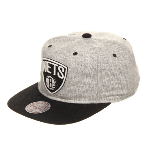 Mitchell & Ness - Brooklyn Nets NBA Plate Strapback Cap