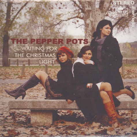 Pepper Pots, The - Waiting For The Christmas Light