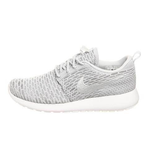 new arrival 0c811 11902 Nike. WMNS Roshe Flyknit (Wolf Grey   Pure Platinum ...