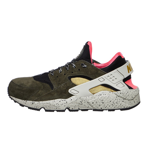 Nike - Air Huarache Run Premium (Black   Desert Moss   Solar Red ... 73a9ede490e3