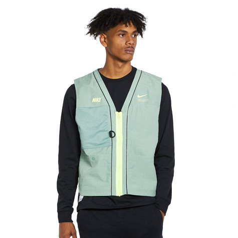 Nike - NSW DNA Woven Vest